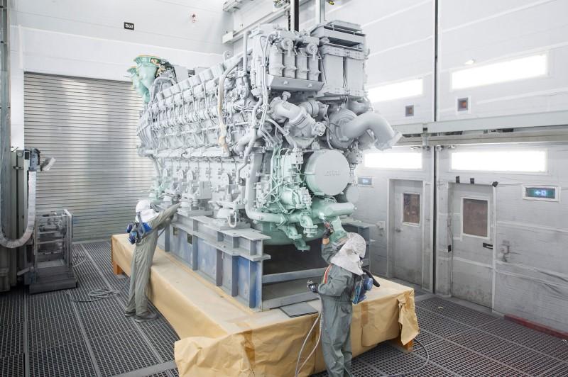 Rolls-Royce liefert erstmals 16-Zylinder-Version der mtu-Baureihe 8000 aus