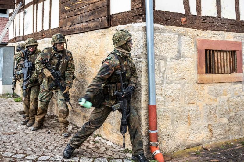Premiere erfolgreich: Erstmals Offizierbriefe in Hammelburg verliehen